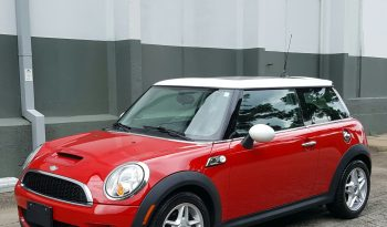 Chili Red 2007 Mini Cooper S // 6 Speed // 77K // Pano Roof