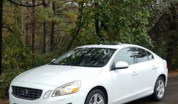 Ice White 2012 Volvo S60 // 1 Owner // Nav // Black Leather