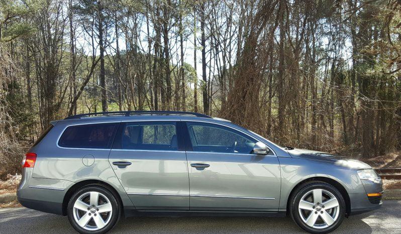 United Gray 2008 VW Passat Wagon // 106K // Heated Leather // Sunroof full