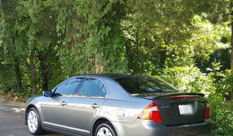 Sterling Gray 2010 Ford Fusion SE // 149K // 4 Cyl // Bluetooth full